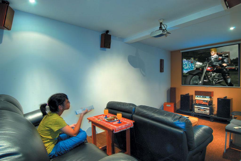 12 Ide Desain Ruang Home Theater Minimalis