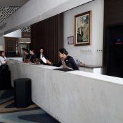 Bikin Meja Resepsionis Hotel di Solo